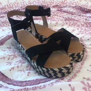4a4a8611f75 Urban Outfitters Shoes - Cora flatform espadrille sandal